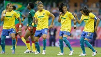 Brazilian football players dancing World Cup 2014