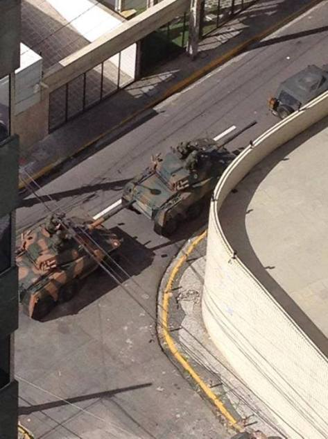 Tanks in Recife following police strike