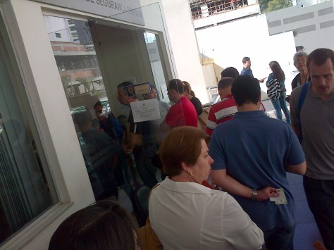 I waited in this queue for 40 minutes only to find out it wasn't the line for the gringos renewing their tourist visas.